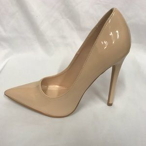 New 4.5 inches pointed heels in Nude patent pu